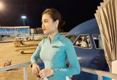 """Quyết không nghe mẹ xin nghỉ làm mà vẫn cùng đồng đội bay thẳng vào tâm dịch Covid-19 đón đồng bào về, nữ TVHK Vietnam Airlines: """"Con không nghỉ được, và sẽ không nghỉ trừ khi điều kiện sức khoẻ của mình không đủ để đi bay"""""""